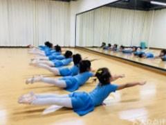 西安周至成人爵士舞钢管舞培训针对成人零基础教学不用担心学不会