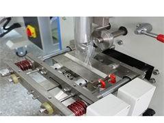 聚脲噴涂機廠家供應 樓頂防水耐磨噴涂設備 京華邦威