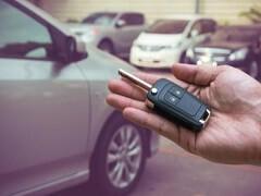 宝安新日产小车出租带司机,价格实惠,有意请来电谢谢