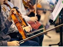 龙岗中心城里学吉他龙岗成人声乐钢琴吉他培训正确发声