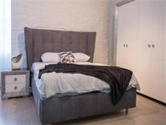 1.5米宽的木床9成新,买来3个月,现卖3OO元