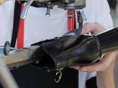 修鞋、专业皮底鞋贴底 九方购物中心店