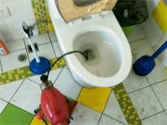 疏通下水道、马桶