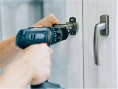专业承接刷墙、刮腻子、打隔断、做防水,数十年经验
