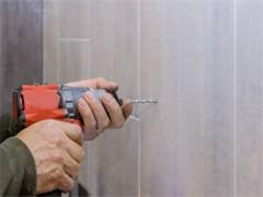 西安高空作业人专业外墙瓷片维修更换落水管西安周全建筑公司