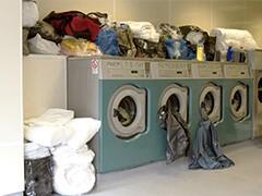 伊卡妮洗衣承接企事业单位工服 、酒店工装洗涤服务