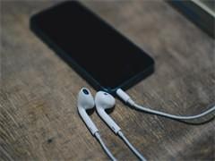iPhone 5S低价转让1300送移动电源