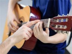 小提琴教授黄晓芝谈考级热现象