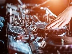 DJ电音舞曲制作培训学校来正学娱乐DJ培训基地