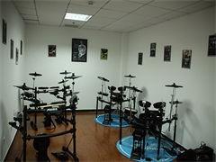 龙岗中心城双龙学吉他入门教学大运万科广场吉他培训机构