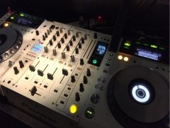 DJ舞曲制作选正学娱乐DJ打碟培训 专注DJ培训