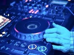 岳阳DJ电音舞曲制作学校来正学娱乐DJ培训基地