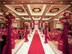 越南新娘有着出嫁从夫的传统美德,温柔贤惠、勤俭持家