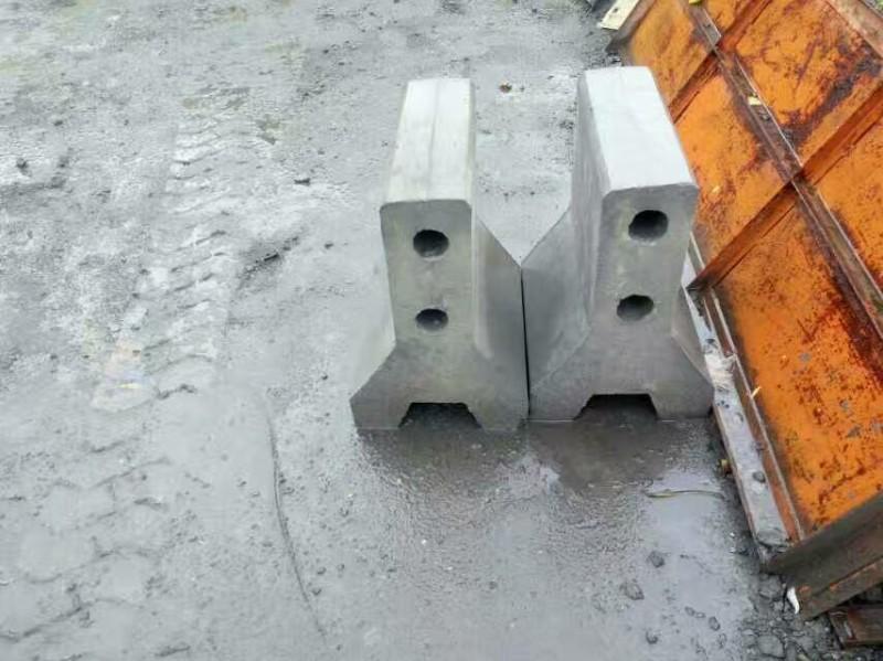 厦门水泥制品厂生产路沿(缘)石水泥墩防撞墩