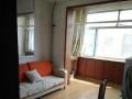 胜东小区三楼65平中等装修带家具家电出租一年一万