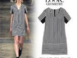 2014夏季新款大码女装 显瘦黑白条纹短袖V领连衣裙