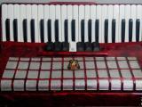 轉讓老鸚鵡牌120貝司手風琴