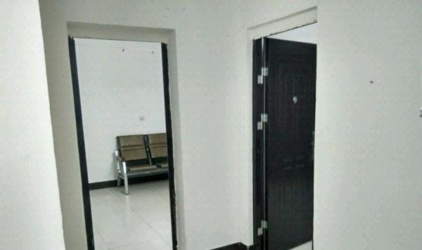 黄州明珠大道师范学院附近1室1厅1卫450元