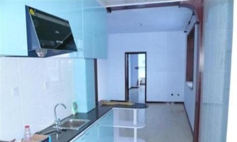 杂多兴业小区 2室1厅 95平米 简单装修 押一付一