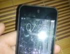 iPod touch 深空灰一台。有磕碰。
