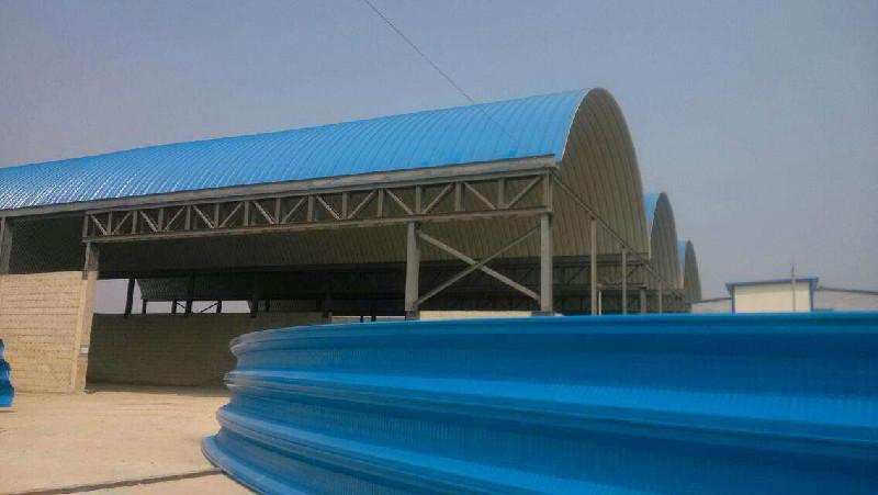 临沂拱形屋顶 彩钢无梁拱仓库厂家车间拱形钢屋盖承包