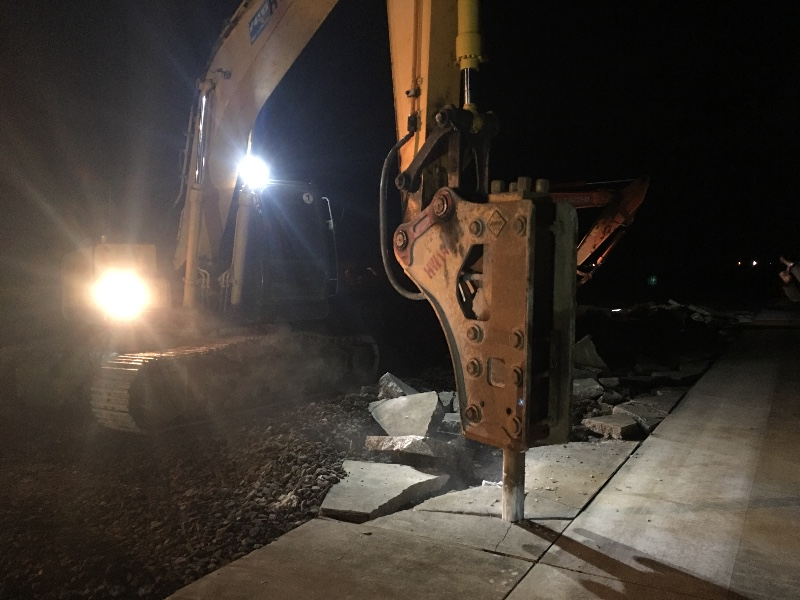 大中小挖机 装机 压路机 洒水车 工程车出租 挖机修理