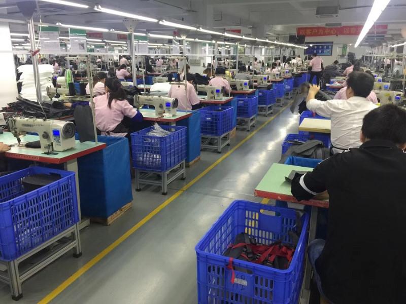 广州箱包行业前5名 大牌供应商 专业出口20年老品牌大工厂