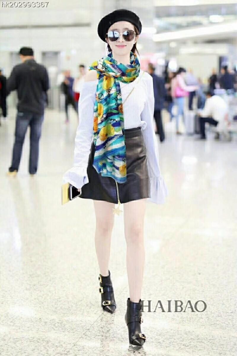 高仿奢侈品丝巾围巾高仿名牌丝巾一手货源