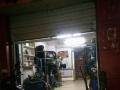 新闸 新康花园本店位于小区门口 商业街卖场 70平米