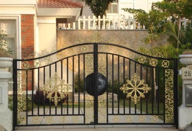 供应欧式铁艺大门,设计独特,品种多样,色彩选择丰富