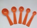 厂家热销供应 纯色5件套装 塑料量匙 量杯 量勺 烘焙称量工具