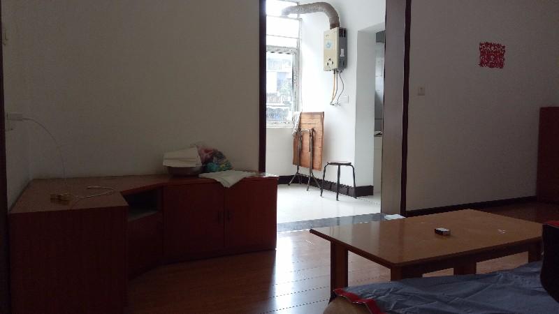 六中学区房全新家电 2室2厅 整租