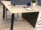 深圳龙华家具厂转型大量办公家具办公桌椅大班台等低价出售处理