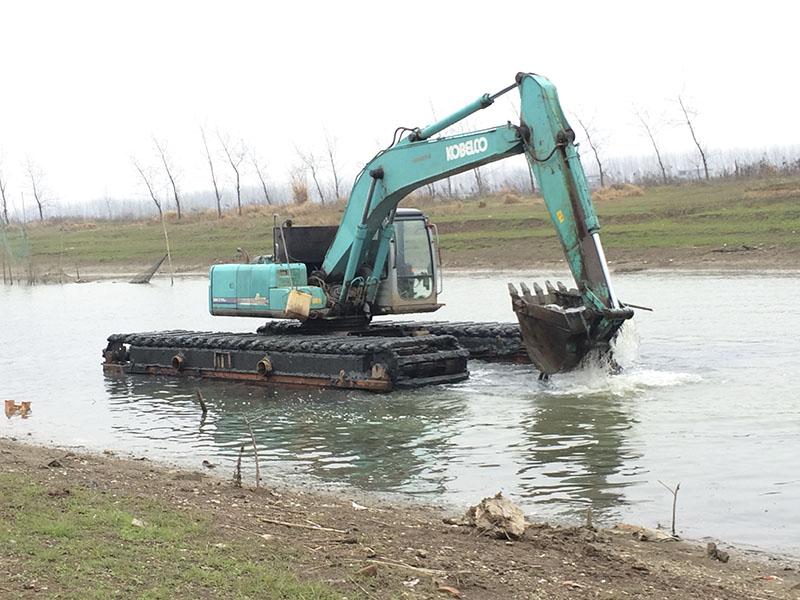 山东上等水上挖掘机哪里有供应,广东水上挖掘机价格