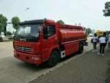 东风多利卡5吨8吨油罐车厂家直销