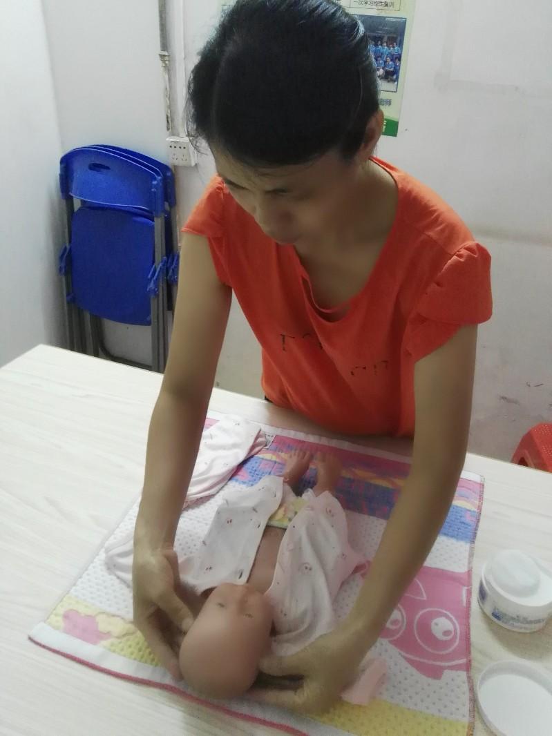 广州番禺祈福悦馨家政是集阿姨及培训于一体的高端家政公司
