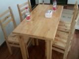 钢化玻璃和柏木餐桌,成都包送开年特价550一套