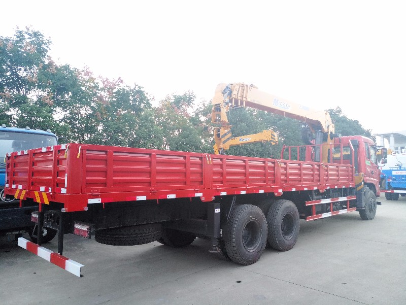 铜陵东风8吨随车吊 徐工12吨随车吊价格