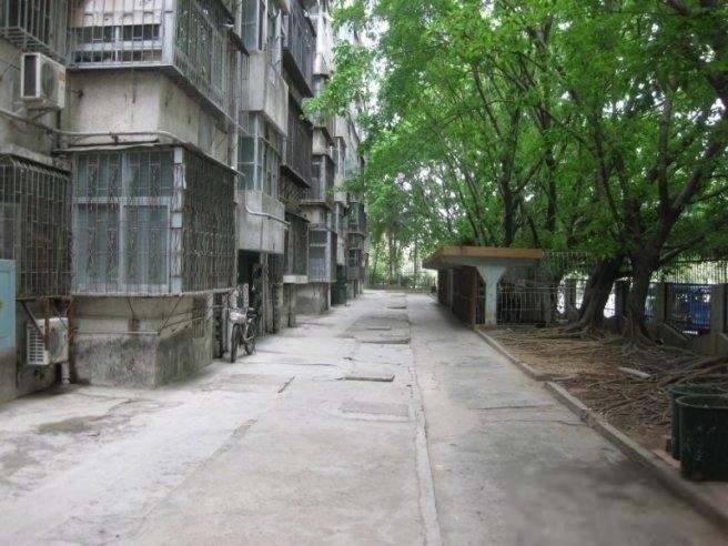 华新村大单间,13003000不同价位的单间都有,欢迎来电-