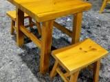 定做连锁烧烤店桌子 松木烧烤桌子 品牌雕刻桌子