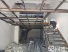 上海专业办公室装修大面积玻璃隔断排强弱电铺地砖