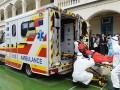 香港带急救设备带医护人员的中港两地直通救护车出租