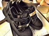 给大家刷新下高仿鞋哪里拿货哪里买,一双大概多少钱