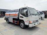 河南5吨加油车厂家5吨油罐车价格5吨油罐车多少钱