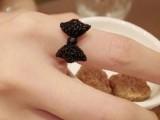 韩版小饰品 时尚精美可爱小巧个性黑色蝴蝶结戒指指环手饰批发