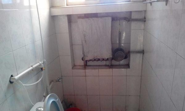 蓝天小区 2室1厅 50平米 简单装修 半年付押一