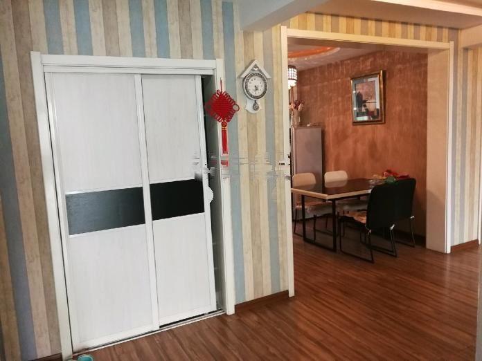 警盾家园 3室2厅1卫 精装锦观城