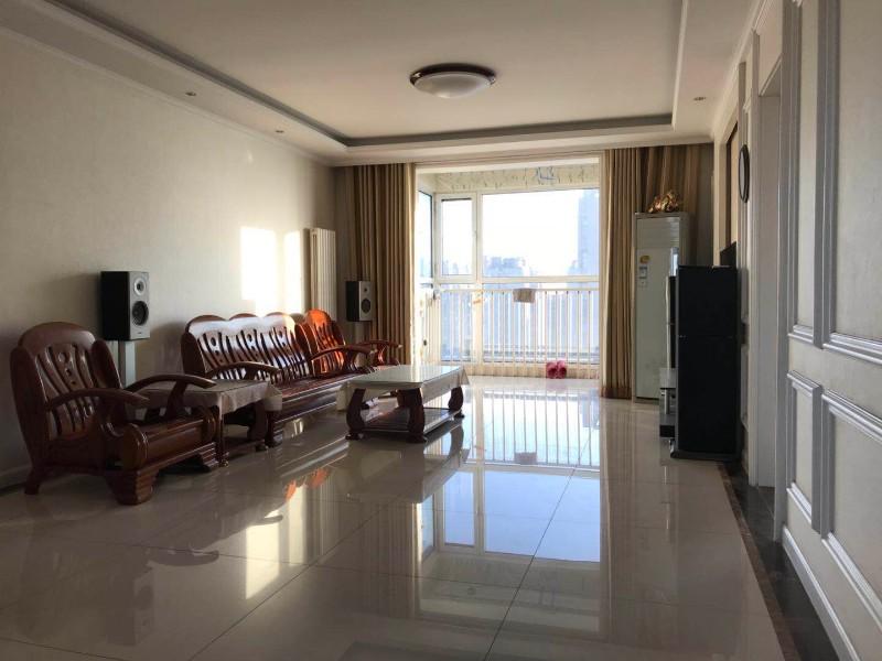 火车站 鹭港未来城 3室 2厅 126平米 整租