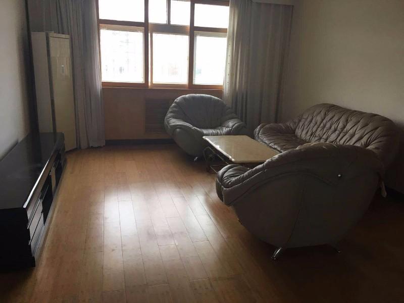 人民广场西巷新华小区 3室 2厅 107平米 整租