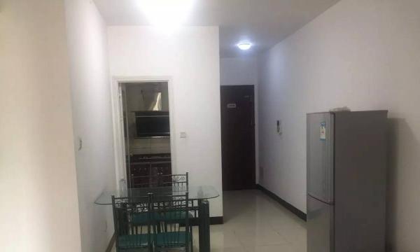 保利合园3房2厅2卫月租2500元,周边交通方便,生活配套完